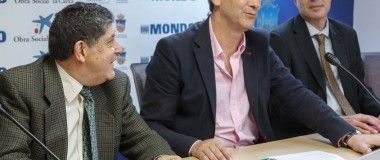 Césped rosa contra el Cáncer de Mama en 2 pistas de Guadalajara